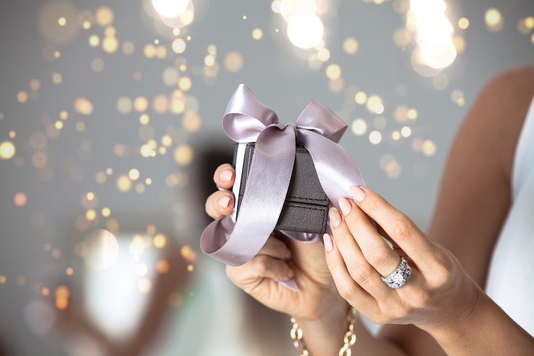 christmas gift ideas for women sydney - jewellery rings and earrings for christmas
